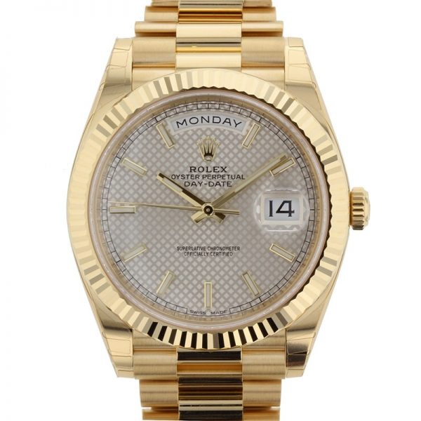 Rolex Day-Date 228238 Cassa 40 Mm in oro giallo zaffiro